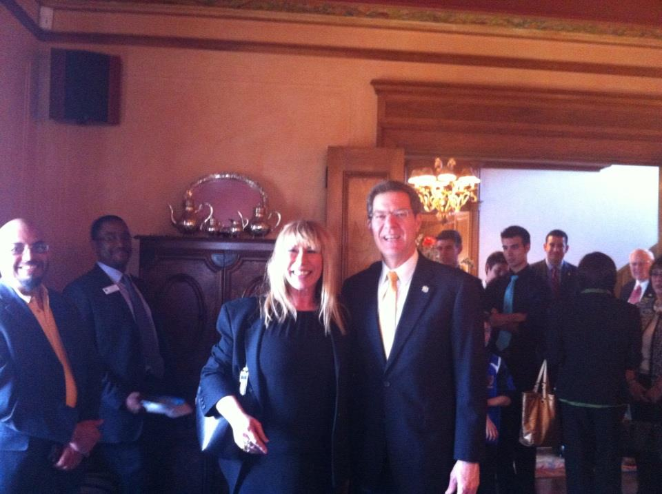 Havi Goffan and Gov. Sam Brownback