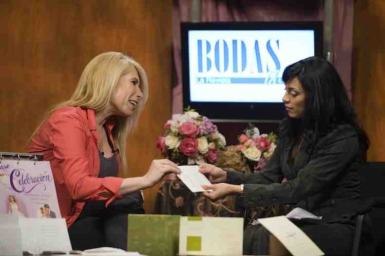 BodasUSA La Revista interviews Havi Goffan on the bilingual wedding invitations